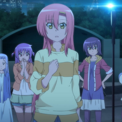 Hinagiku and the others waiting for Hayate's decision