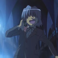 Hayate wandering the haunted building of Hakuo Academy
