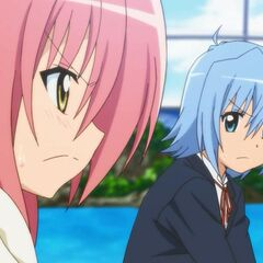 Hinagiku and Hayate teaming up against Gilbert Kent in a game of volleyball