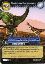 042-100-troodon-surgissant