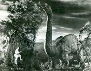 Lost-World-Brontosaurus-1000x7835-700x548