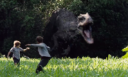 Indominus rex jahtaa poikia