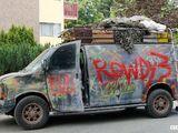Rowdy 3 van