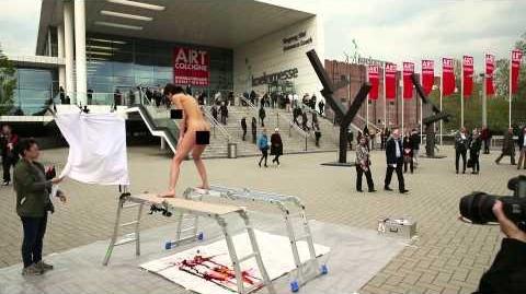Erister Egg Painting Performance 1 (Art Cologne 2014)