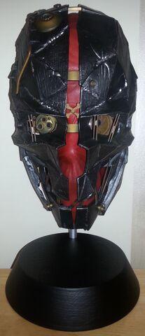 File:Corvo's Mask (D2CE).jpg