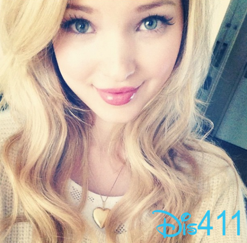 File:Dove-cameron-march-18.png