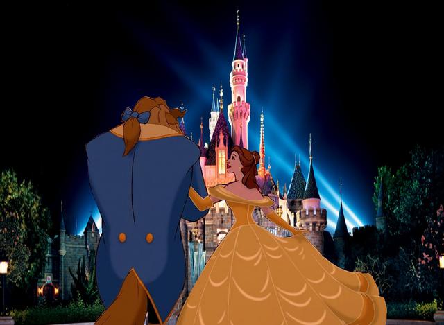 File:Belle and Beast arrived at Disneyland.PNG