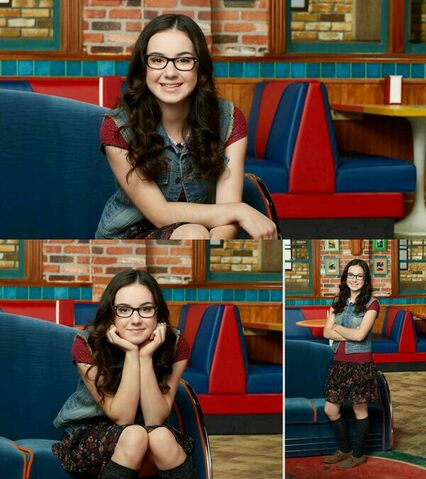 File:Sarah Gilman as Delia.jpg