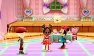 DMW2 - Minnie Mouse at the Cafe