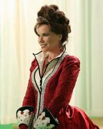 Ouat queen of hearts
