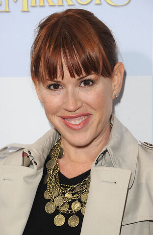 File:Molly Ringwald.jpg
