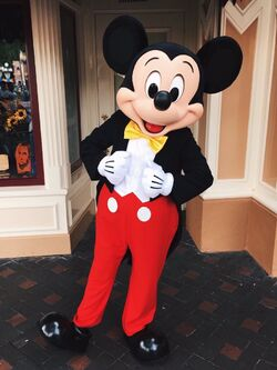 Mickey's New Look Disney 2016