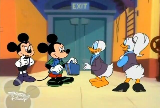File:Mickey and Minnie about to leave.jpg