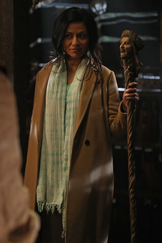 File:Once Upon a Time - 6x14 - A Wondrous Place - Photography - Jasmine 3.jpg
