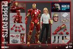 Iron Man Mark IX and Pepper Hot Toys 03