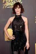 Lizzy Caplan MTV Movie Awards16