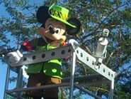 MickeyMouseinAnimalKingdomParade