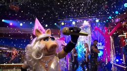 TheMuppets-S01E05-PiggyMicDrop