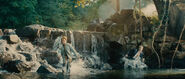 Into-the-woods-movie-screenshot-chris-pine-prince-charming-2