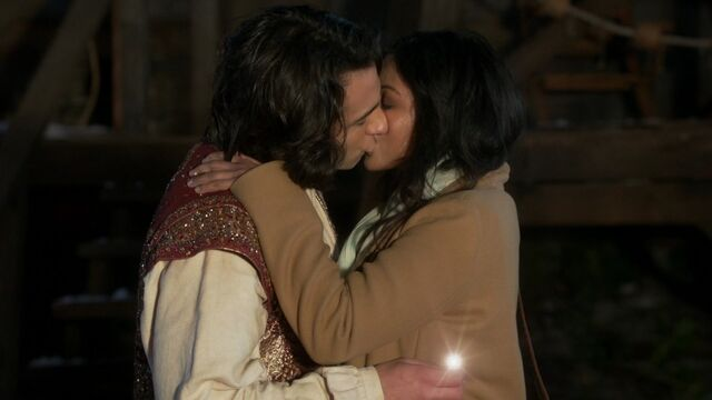 File:Once Upon a Time - 6x15 - A Wondrous Place - Aladdin and Jasmine Kiss.jpg
