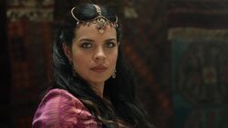 Once Upon a Time in Wonderland - 1x04 - The Serpent - Amara Stares