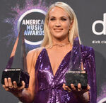 Carrie Underwood AMA19