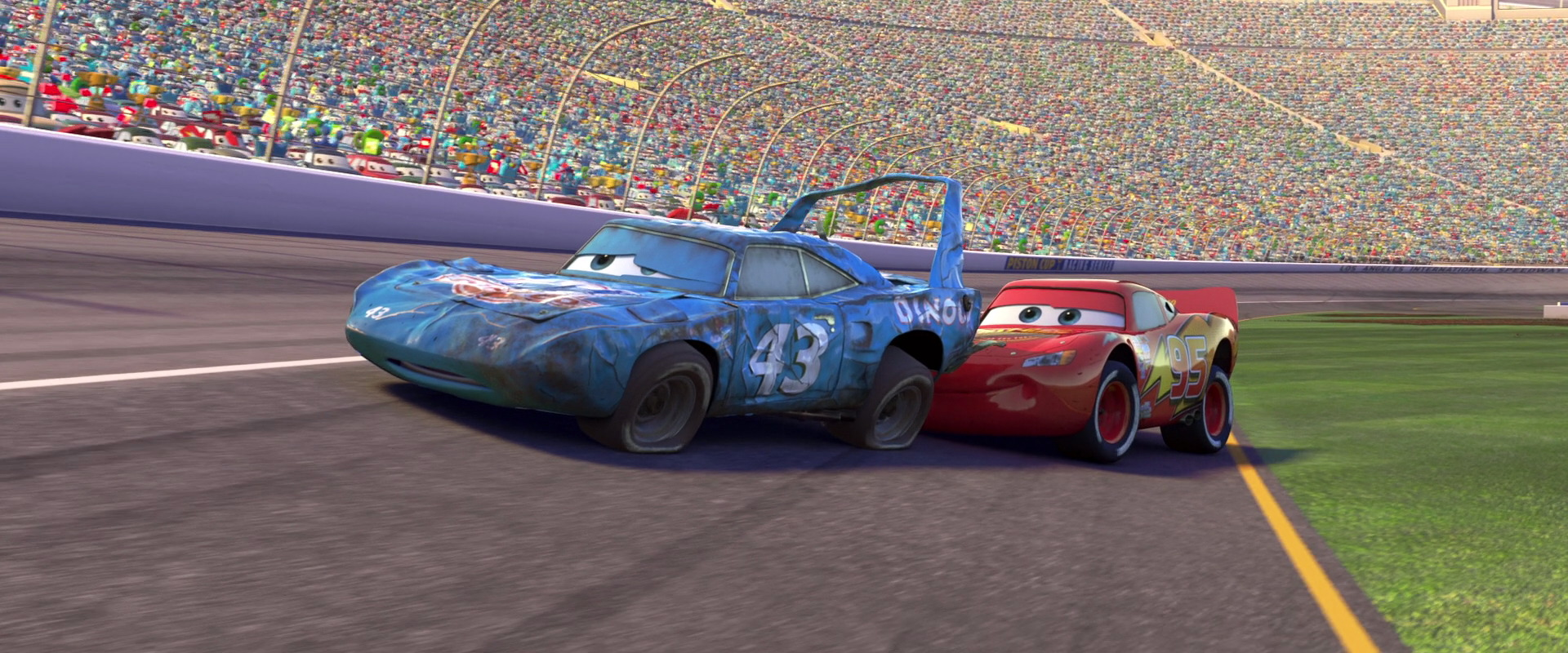 McQueen helps to have The King finish his last race. : lighting mcqueen racing - www.canuckmediamonitor.org