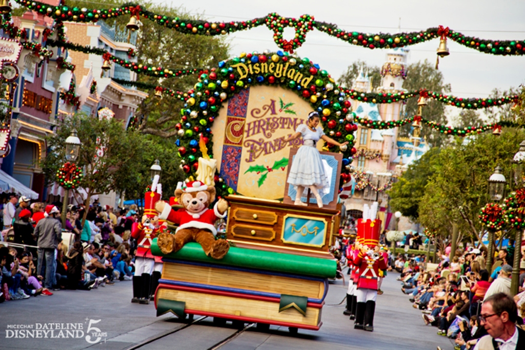 A Christmas Fantasy Parade Disney Wiki Fandom Powered