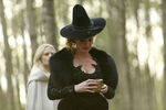 Once Upon a Time - 5x08 - Birth - Released Image - Zelena 4