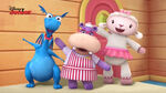 Stuffy, lambie and hallie singing3