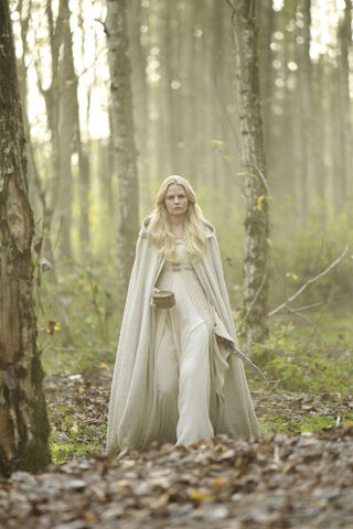 File:Once Upon a Time - 5x08 - Birth - Released Image - Emma.jpg