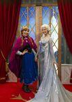 Elsa Anna Disney Parks 45