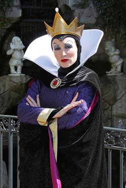 A Rainha nos Parques Disney
