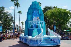 Frozen Royal Welcome Parade 2015