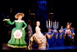 Beauty-and-the-best-scenefoto-twee-musical-van-joop-van-den-ende-theaterproducties