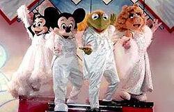 Walkaround Mickey, Minnie, Kermit, Piggy