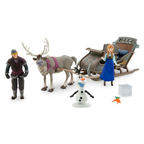 File:Frozen Slegh set.jpg