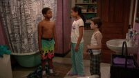 Raven's Home - 1x01 - Baxters Back! - Booker, Nia and Levi