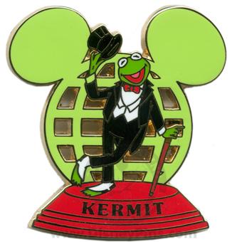 File:Disneypin-kermitearglobe.jpg