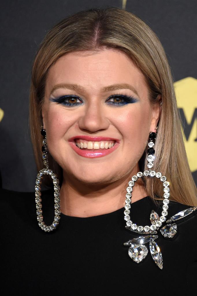 Kelly Clarkson | Disney Wiki | FANDOM powered by Wikia