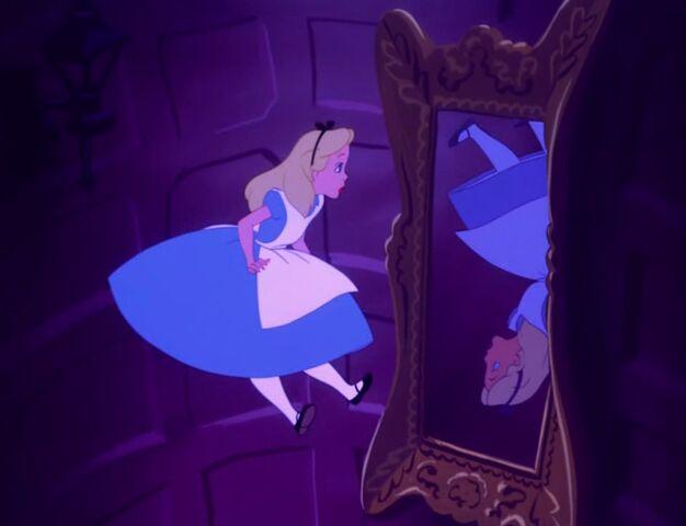 File:Alice-in-wonderland-22.jpg