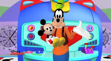 Goofy babysitting baby mickey