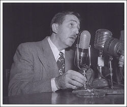 Animated-man-walt-microphone