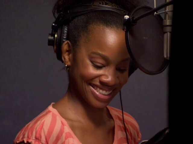 File:Anika Noni Rose behind the scenes of PatF.jpg