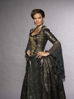 Once Upon a Time - Season 7 - Lady Tremaine 2