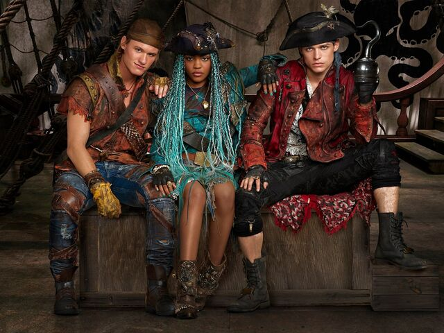 File:Descendants 2 - New Villain Kids.jpg