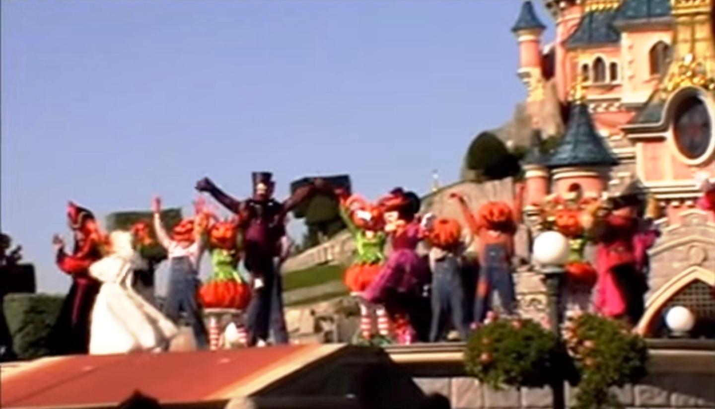 Halloween Disney Villains.The Disney Villains Halloween Showtime Disney Wiki Fandom