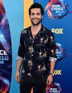 Matt Daddario at 2018 Teen Choice Awards