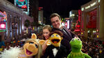 TheMuppets-(2011)-Finale-Piggy&Mary&Walter&Gary&Kermit