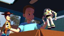 Andy findet Andy und Buzz im Auto